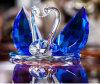 Красивейший лебедь кристаллический стекла подарка праздника венчания голубой