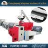 Canalização elétrica do PVC que faz a máquina