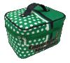 Sacos da composição com os sacos cosméticos novos dos compartimentos para meninas