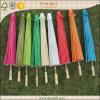 Decoración de bambú colorida de la boda del parasol