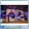 Пустите по трубам и задрапируйте стену фона для пользы венчания