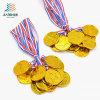 Il metallo su ordinazione della stella dell'oro del pezzo fuso della lega mette in mostra la medaglia con il nastro
