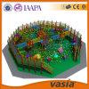 Crianças Playgound interno do tema da selva de Vasia, local do jogo do tiro do injetor