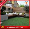 Gazon synthétique d'herbe pour les jardins à la maison de dessus de toit