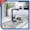 Faucet de superfície preto da cozinha para o dissipador com bronze