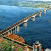 建築材料の鉄骨構造橋