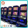 ヨーロッパのカジノで普及した様式のゲーム・マシンの賭ける機械に細長い穴をつける