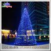 Luz artificial ao ar livre colorida da árvore de Natal do diodo emissor de luz da decoração do feriado