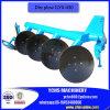 Aratro a disco agricolo dell'azienda agricola con i trattori della JM
