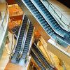 Mover las escaleras por el centro comercial