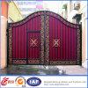 Puerta del hierro labrado del oscilación con los paneles galvanizados