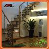 Projeto interno do corrimão da escadaria do aço inoxidável