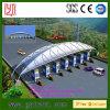 Barraca do lote de estacionamento da estação de comboio com estrutura da membrana de PVDF