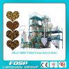 As aves domésticas alimentam a linha de produção completa da alimentação das aves domésticas para a venda (SKJZ5800)