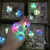 Nouveau design LED Light Spinner à main Fidget Crystal Plastic