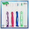 Toothbrush antiscorrimento della maniglia dei capretti con la setola di nylon molle
