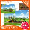 Kind-im Freiengymnastik-Spielplatz-Gerät für Kindergarten