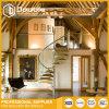 Escalera espiral de madera moderna de interior con el diseño de cristal de las escaleras de la barandilla