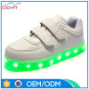 2017の新しいデザイン男女兼用LEDスニーカーの歩きやすい人の靴