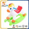 Cavalo mecânico de brinquedo novo de equitação com música e luz intermitente