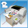 Impresora de la camiseta en la prensa del calor de la camiseta
