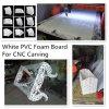 CNC que talla la tarjeta blanca de la espuma del PVC