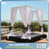 Hochzeits-Hintergrund-Rohr und drapieren ringsum Hochzeits-Zelt