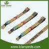 方法金属の管が付いているデザインによって編まれる刺繍のリスト・ストラップ