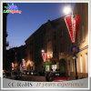 屋外の装飾によって電流を通されるCE/RoHSのクリスマスの通りのポール・ライト