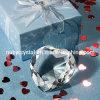 수정같은 심혼 다이아몬드 문진이 결혼식에 의하여 호의를 보인다