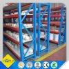 Prateleira longa da extensão do armazenamento logístico do armazém