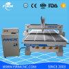 Porta de madeira que faz a máquina do router do CNC