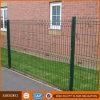 Сад ограждая обрамленную сваренную загородку ячеистой сети