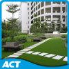 Het Gras van de tuin in Kunstmatige Gras dat van de Leverancier van China het Uitstekende wordt gemaakt