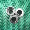 通されたアダプターを回す高精度のステンレス鋼CNC