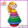 Il bambino ostruisce il giocattolo (W13D011)