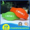 Изготовленный на заказ водоустойчивый браслет Wristband силикона Passive UHF/RFID/NFC для клуба и случая стационара