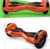 Un auto delle due rotelle che equilibra motorino elettrico con RC, Bluetooth, infiammante di destra