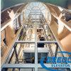 Elevatore facente un giro turistico della nuova capsula di disegno della fabbrica