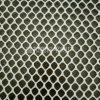Цыплятина цепляет ячеистую сеть пластичной сетки пластичную