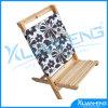 Plataforma da baía do console e cadeira de praia de madeira