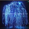 Les lumières blanches artificielles d'arbre de saule pleurant de DEL
