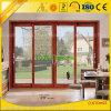 El aluminio de madera del grano sacó los perfiles de la ventana y del aluminio de la puerta