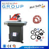 Kuntai Hydraulic Clicker Press con Swing Arm