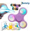 Drehender Unruhe-Finger-Spinner mit der Farbe, die LED-Lichter ändert