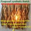 De vuurvaste/niet Brandbare Synthetische Palm van /Plastic met stro bedekt