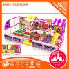 Castelo impertinente do equipamento interno atrativo do campo de jogos do labirinto das crianças