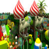 SmallcuteおよびColourful Tree PlayhouseおよびSlideのPlayground