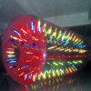 Jeu de boule gonflable brillant de roulis de rouleau de l'eau de lueur