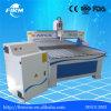 Taglio dell'incisione del legno che intaglia la macchina del router di CNC di falegnameria